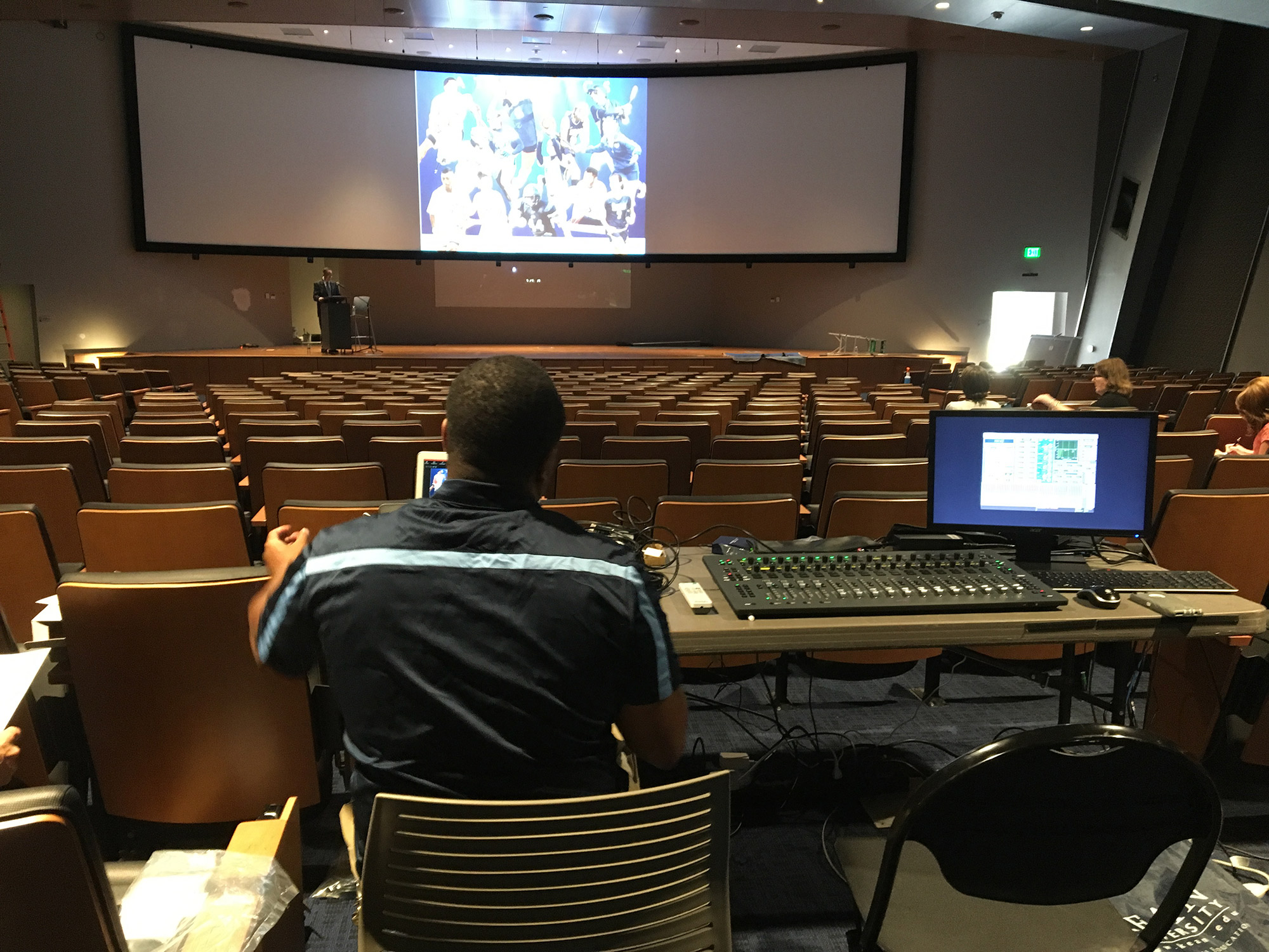 4 Innovative Ways to Use A/V Classroom Technology in Higher Education